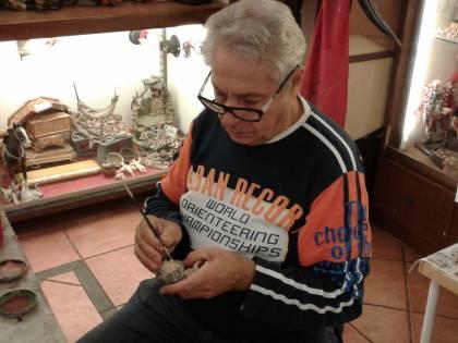 Napoli in lutto: addio a Ugo Esposito, maestro presepiale di San Gregorio Armeno