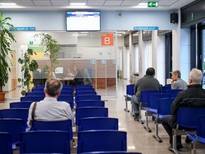 Coronavirus, novità sui pagamenti delle pensioni: soldi consegnati dai carabinieri