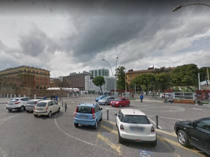 Bologna, pusher nigeriano colto sul fatto rompe spalla a militare