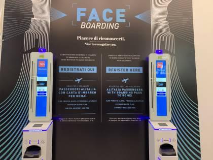 Il face boarding sbarca a Linate: imbarchi senza documenti e code