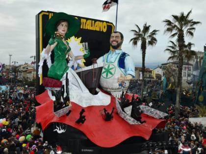 Le sardine non vogliono Salvini al Carnevale di Viareggio