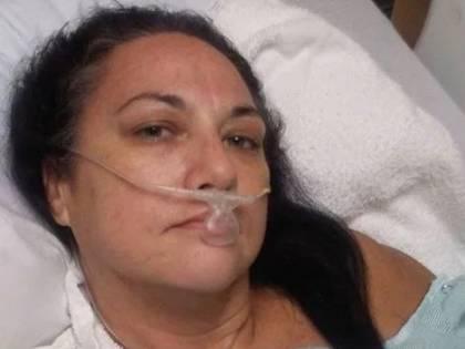 Hawaii, donna si taglia con carta: l'infezione rischia di ucciderla