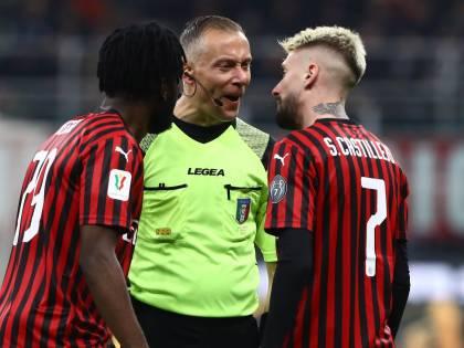 Milan, le decisioni dell'arbitro Valeri che fanno infuriare i rossoneri