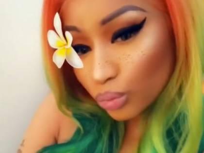 Nicki Minaj bollente per carnevale