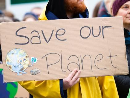 """Naomi Seibt, l'attivista """"anti Greta"""" che spiazza gli ambientalisti"""