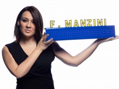 """Striscia la notizia, debutto per Francesca Manzini in conduzione: """"Mi sento confusa e felice"""""""