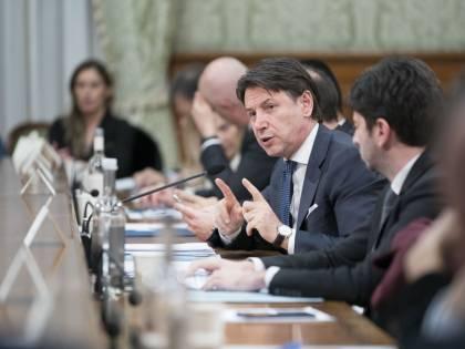 Coronavirus, il governo pensa all'aumento del deficit