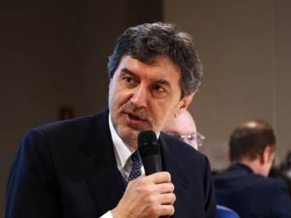 """Abruzzo, il presidente  lancia l'allarme: """"Da noi mancano le cure che ci sono al Nord"""""""