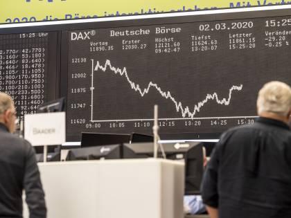 Economia Usa mai così male: -33%. Borse in rosso, Milano perde il 3,3%