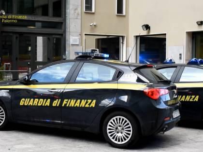 Pistoia, truffava anziani con finte polizze assicurative: arrestato