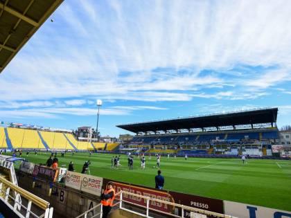 Coronavirus, caos in Serie A: Parma e Spal si gioca