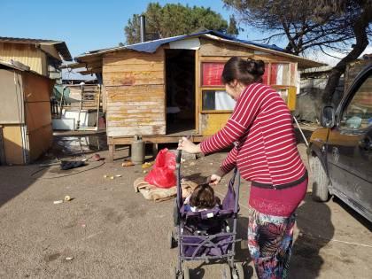 "Campi rom terra di nessuno, la denuncia: ""Assenza di igiene e mascherine"""