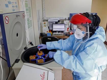 """Lo studio: """"Sars-CoV-2 è più letale dove l'aria è inquinata"""""""