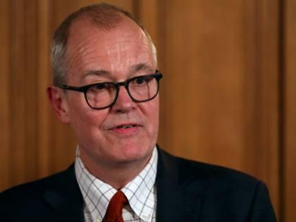 """Coronavirus, l'esperto: """"Nel Regno Unito possibili già 10mila casi"""""""
