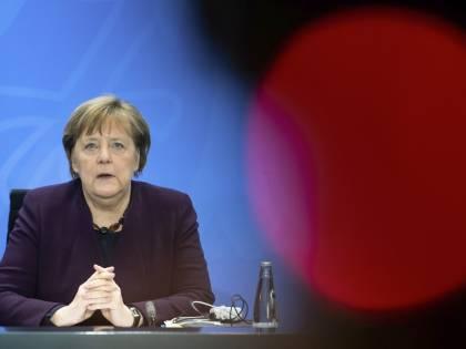 """Il """"bazooka"""" della Merkel contro il virus: pronto un piano da 822 miliardi"""