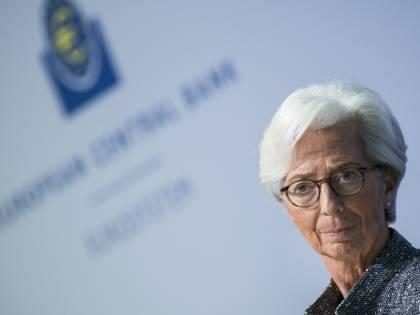 """I tassi non spaventano la Bce: """"Accelerare l'acquisto di bond"""""""