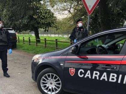 """""""Ho il Coronavirus"""", urla e sputa contro i carabinieri, arrestata"""
