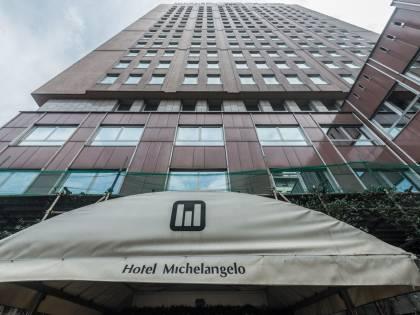 Il Comune requisisce l'hotel: 300 posti per le quarantene