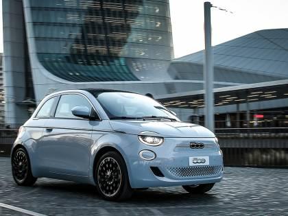 """Nuova Fiat 500 elettrica: cuore """"green"""" e il meglio dell'hi-tech"""