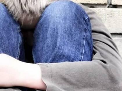 Soldi a un 14enne per far sesso: arrestati un 52enne e un 37enne ad Ischia