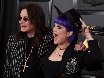 Kelly Osbourne invita tutti a stare a casa per salvare il padre Ozzy