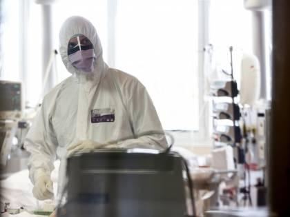 """Coronavirus, Londra trema: """"Uno tsunami di malati gravi"""""""