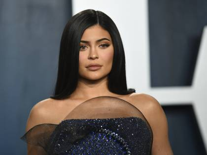 Coronavirus, Kylie Jenner dona un milione di dollari