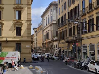 Firenze, clandestino rincorre uomo con catena: addosso anche coltelli