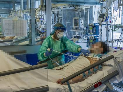 """La proposta di FdI: """"Una giornata in ricordo delle vittime del coronavirus"""""""