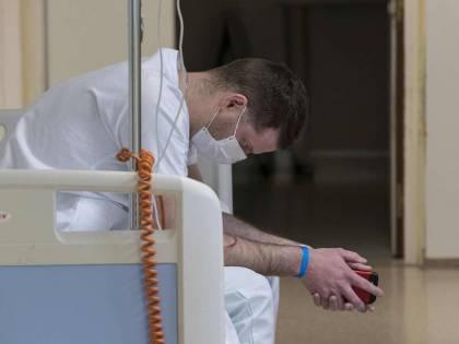 Coronavirus, muore una 16enne a Parigi, è la vittima più giovane in Europa