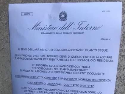 """Avvisi-truffa a Napoli: """"I non residenti lascino le abitazioni. Svolgeremo dei controlli"""""""