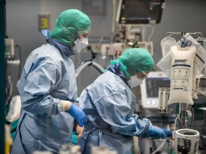 Le gemelline sole, i 3 fratelli morti: così il coronavirus ha spezzato le famiglie