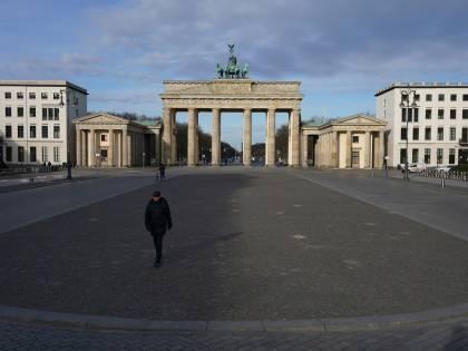 Germania, sussidi a tempo record mentre in Italia l'Inps va in tilt