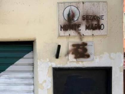 Roma, raid vandalico contro l'ex sede del Msi di via Assarotti