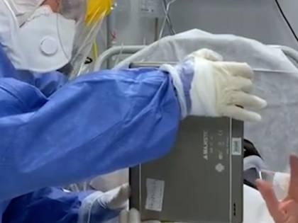 Bari, i pazienti in videochiamata con i propri cari