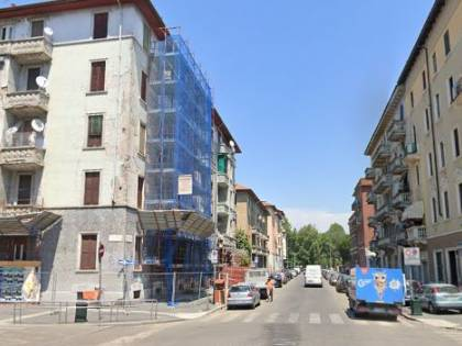 Milano, muoiono per covid e la casa viene occupata