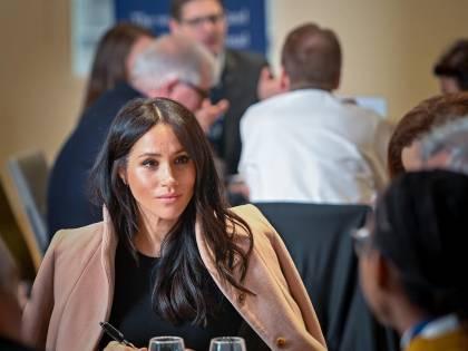 "Meghan Markle vuole seguire le ""orme"" di Angelina Jolie"