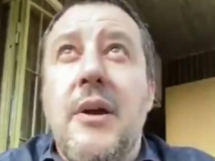 Salvini interrotto in diretta dall'hater. E il leader della Lega lo zittisce