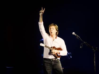 """McCartney, un Beatle contro Conte & C.: """"Dovete rimborsare subito i miei biglietti"""""""