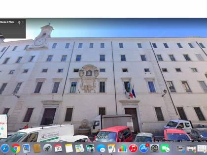 Italiani al Monte di Pietà per avere subito contanti