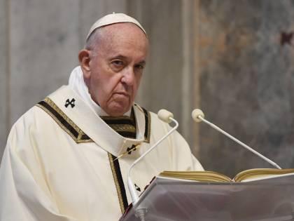 """Il Papa vuole la """"fase 2"""": pronto a riaprire le chiese"""