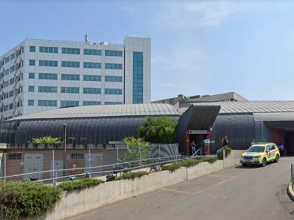 Parma, nigeriano aggredisce infermiera nel parcheggio dell'ospedale