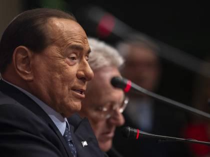 """Berlusconi: """"Il dl liquidità garantirà solo soldi per pagare le tasse"""""""