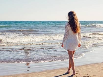 """Il virus sotto l'ombrellone: """"Mare e sabbia sono sicuri"""""""