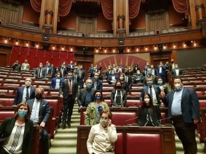 """La Lega occupa il Parlamento: """"Agli italiani servono risposte"""""""