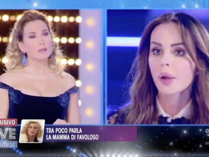 """La rivelazione choc di Nina Moric: """"Luigi ricatta Elena con un video mentre fanno sesso"""""""