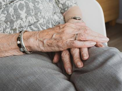 Otto anziani uccisi nella Rsa: in prigione l'infermiere killer
