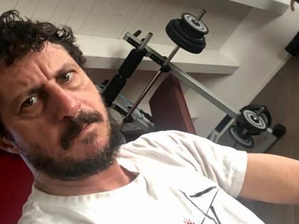 """Silvia Romano, la foto social del Pd scatena Luca Bizzarri: """"Siete senza un ufficio stampa decente"""""""