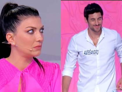 Colpo di scena a Uomini e Donne, Alessandro dice addio a Giovanna per salire sul trono
