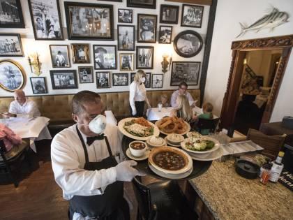 """Dicembre senza ristoranti vale 7,9 miliardi """"Ristori al 100% in base al fatturato 2019"""""""